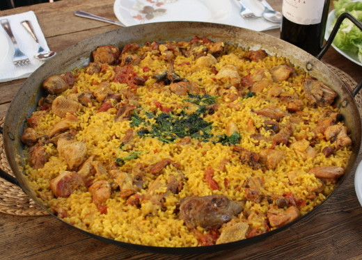 Rice dishes and paella culture